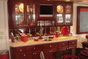 100' Fantasy 100 Wide Body 2006 Fantasy 100 Breakfront / Buffet / Wet Bar