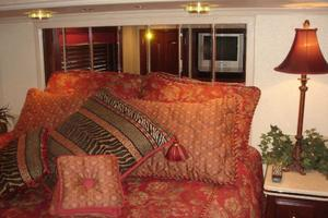 100' Fantasy 100 Wide Body 2006 Fantasy 100 VIP Stateroom Queen Bed