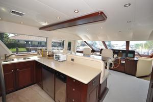 85' Pacific Mariner Flushdeck My 2007 Galley