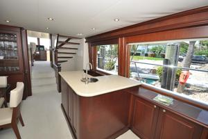 85' Pacific Mariner Flushdeck My 2007 Salon Wet Bar