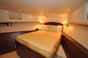 85' Pacific Mariner Flushdeck My 2007 VIPStateroomForward