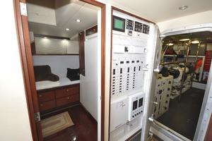 85' Pacific Mariner Flushdeck MY 2007 Crew Quarters / Lazarette