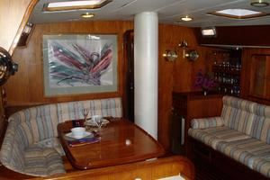 60' 1982 Gulfstar 60' MK1 Mark 1 1982 Salon dining table