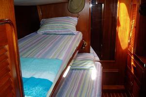 60' 1982 Gulfstar 60' MK1 Mark 1 1982 Starboard cabin