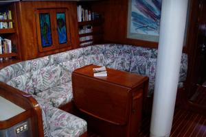 60' Gulfstar Mark 1 1982 Salon