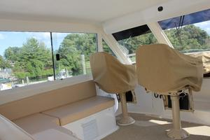 60' Viking Cockpit Sport Naples Edition 2001 Flybridge Helm Seats