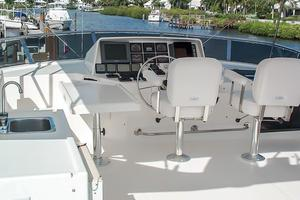 58' West Bay SonShip 58 1998 Flybridge Helm & Seating