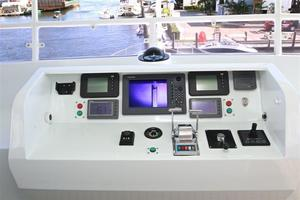 95' Explorer Expedition Yacht 2005 Flybridge Navigation Equipment