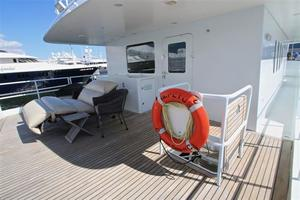 95' Explorer Expedition Yacht 2005 Aft pilothouse deck
