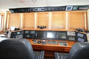 95' Explorer Expedition Yacht 2005 Bridge