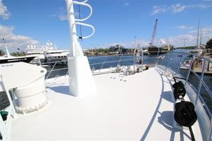 95' Explorer Expedition Yacht 2005 Bow