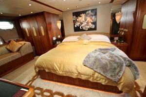95' Explorer Expedition Yacht 2005 Master Stateroom