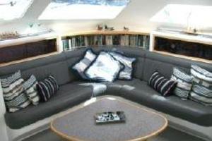 50' Voyage 500 2010 Salon settee