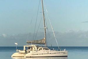 50' Voyage 500 2010 At anchor