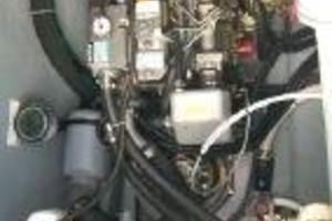 50' Voyage 500 2010 Engine room