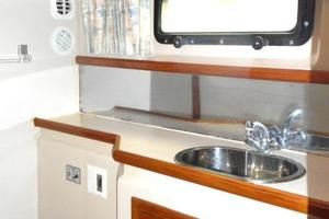 42' Carver 4207 1988 1988 Carver 4207 Aft Cabin Motor Yacht owner's head and vanity