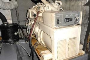 42' Carver 4207 1988 1988 Carver 4207 Aft Cabin Motor Yacht generator