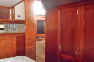 42' Carver 4207 1988 1988 Carver 4207 Aft Cabin Motor Yacht owner's stateroom port forward