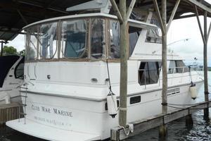 42' Carver 4207 1988 1988 Carver 4207 Aft Cabin Motor Yacht starboard quarter