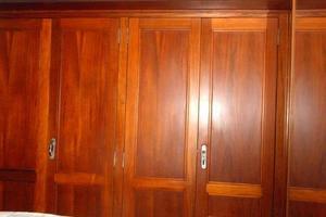 42' Carver 4207 1988 1988 Carver 4207 Aft Cabin Motor Yacht owner's stateroom hanging lockers