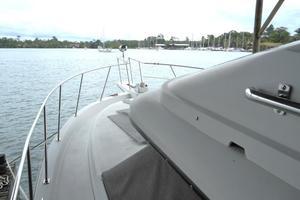 42' Carver 4207 1988 1988 Carver 4207 Aft Cabin Motor Yacht port deck