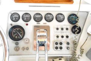 42' Carver 4207 1988 1988 Carver 4207 Aft Cabin Motor Yacht starboard helm instruments