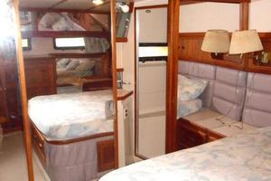 42' Carver 4207 1988 1988 Carver 4207 Aft Cabin Motor Yacht owner's stateroom head and shower door