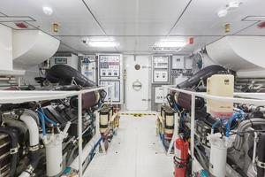 104' Cheoy Lee Global 104 2019 Engine Room