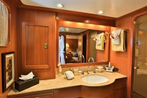 122' CRN 1978/2012 122ft Tri Deck Yacht 1978 GUEST BATHROOM