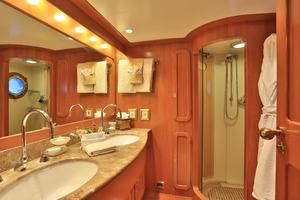 122' CRN 1978/2012 122ft Tri Deck Yacht 1978 MASTER BATHROOM