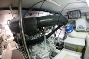 60' Hatteras Sportfish 1999 Starboard Engine