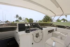 92' Broward Raised Pilothouse Motor Yacht 1988 Flybridge helm