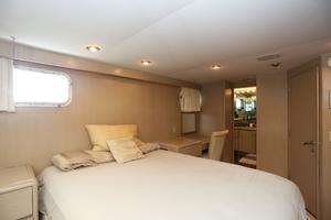 92' Broward Raised Pilothouse Motor Yacht 1988 VIP stateroom