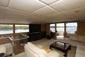 92' Broward Raised Pilothouse Motor Yacht 1988 Salon aft view II