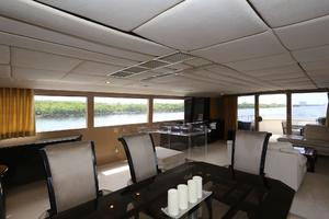 92' Broward Raised Pilothouse Motor Yacht 1988 Salon aft view