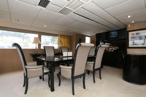 92' Broward Raised Pilothouse Motor Yacht 1988 Dining area