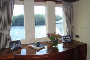 90' Ocean Alexander Sky Lounge 2013 Master Stateroom Starboard