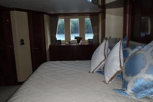 90' Ocean Alexander Sky Lounge 2013 Master Stateroom