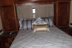 90' Ocean Alexander Sky Lounge 2013 Port VIP Stateroom