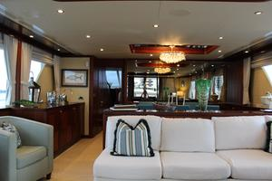 90' Ocean Alexander Sky Lounge 2013 Salon