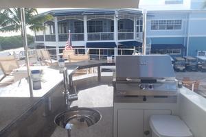 90' Ocean Alexander Sky Lounge 2013 Aft Flybridge Deck