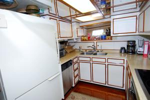 70' Hatteras Cpmy 1977 Galley