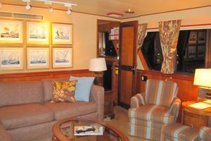 70' Hatteras Cpmy 1977 Doorway from Saloon to Wheelhouse