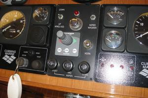 52' Symbol 50 2002 The controls for the synchronizer and bow thruster