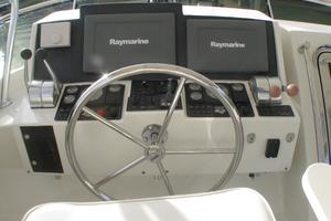 52' Symbol 50 2002 Upper helm controls