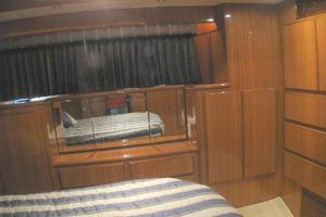 52' Symbol 50 2002 Built in dressing table