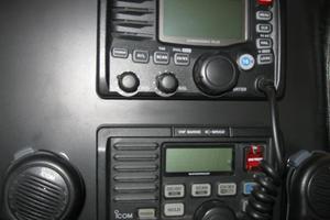 52' Symbol 50 2002 Twin Icom VHF radios