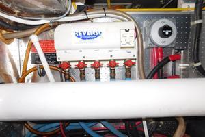 52' Symbol 50 2002 Oil change system