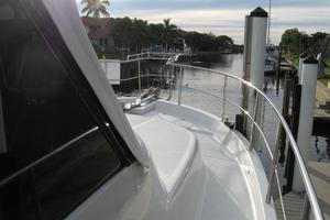 52' Symbol 50 2002 Nice high SS railing to move around the deck