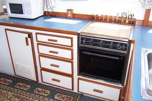 40' Cheoy Lee LRC 1979 40 Cheoy Lee Galley Stove